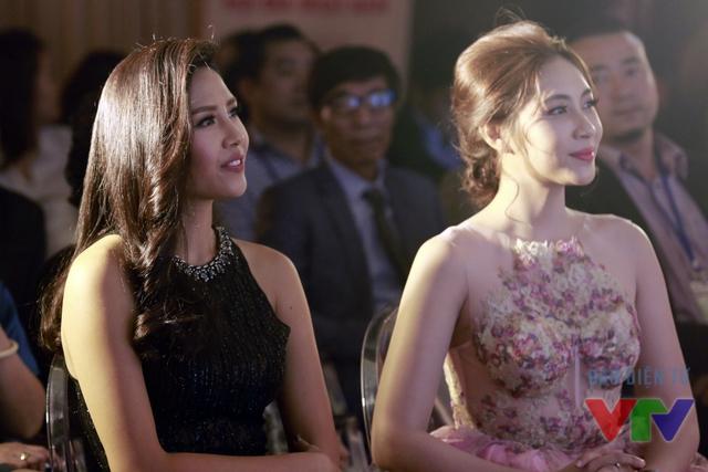 Hoa hậu biển Nguyễn Thị Loan và Hoa hậu Đại dương Đặng Thu Thảo