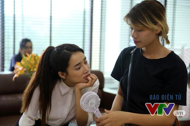 Hiện, Kang Tae Oh và Nhã Phương đang gấp rút thực hiện những cảnh quay cuối cùng tại miền Bắc trước khi vào Đà Nẵng tiếp tục công việc ghi hình