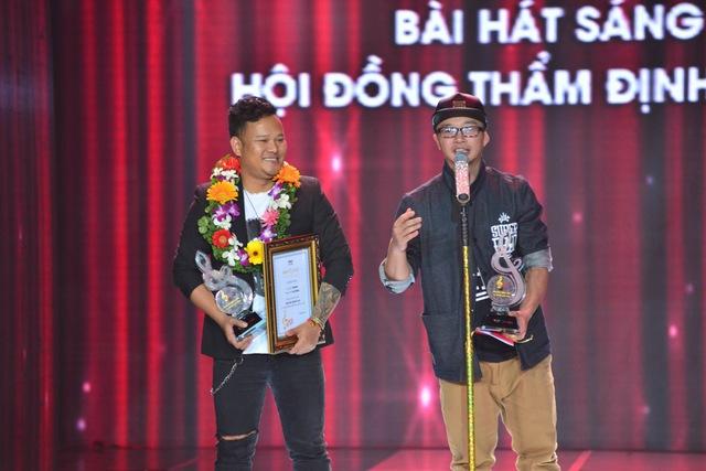 Y Garia và PB Nation nhận giải Bài hát sáng tạo do Hội đồng thẩm định bình chọn.