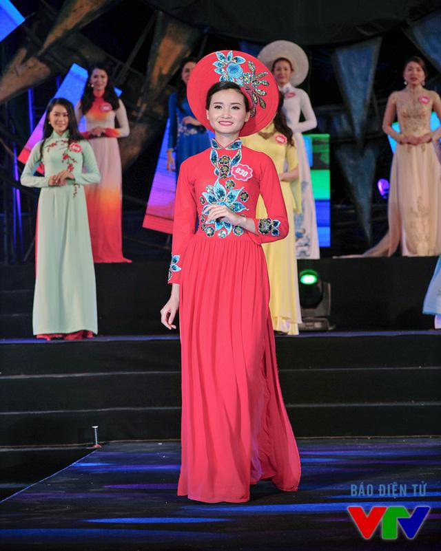 Nguyễn Nhật Linh sinh năm 1995, đến từ Hà Nội