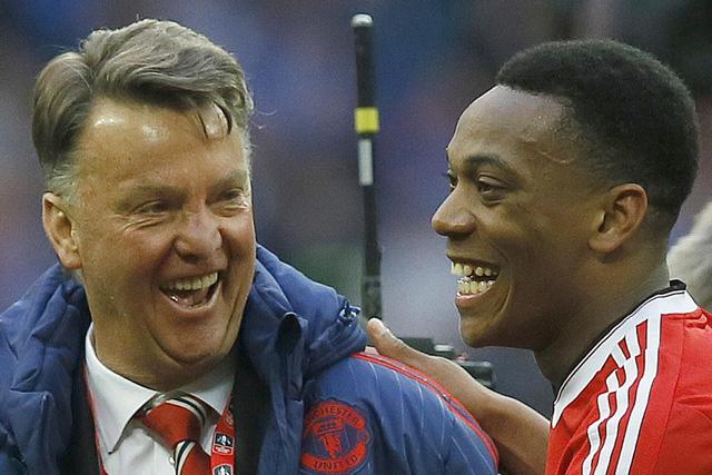 HLV Van Gaal vẫn còn cơ hội dẫn dắt Man Utd thêm 1 mùa giải nữa (Ảnh: AP)