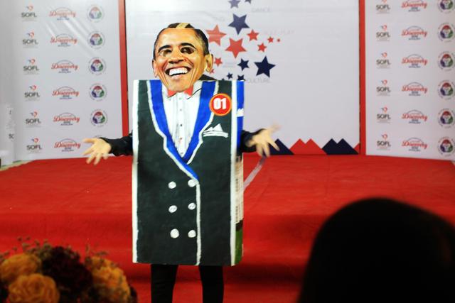 Thí sinh hóa trang thàhn Tổng thống Mỹ Obama