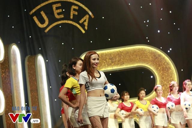 Bên cạnh các trận tranh tài hấp dẫn tại EURO 2016, khán giả cũng có thể theo dõi những chương trình đồng hành đặc sắc trên sóng VTV.