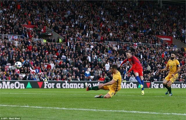 Rooney nhân đôi cách biệt cho ĐT Anh ở hiệp 2