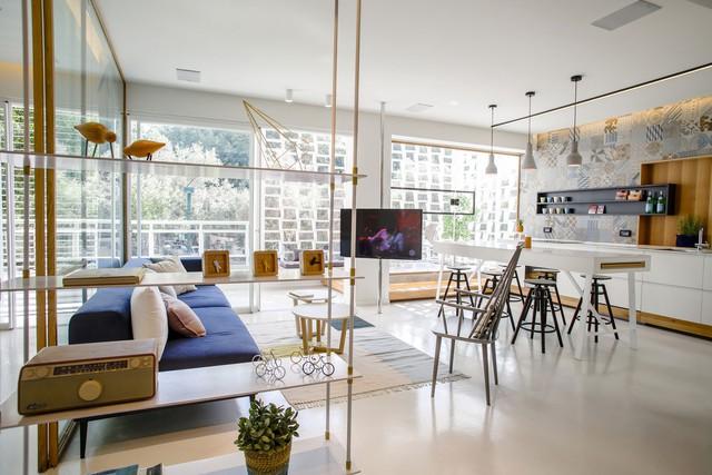 Toàn bộ phòng khách và ăn là một không gian mở.