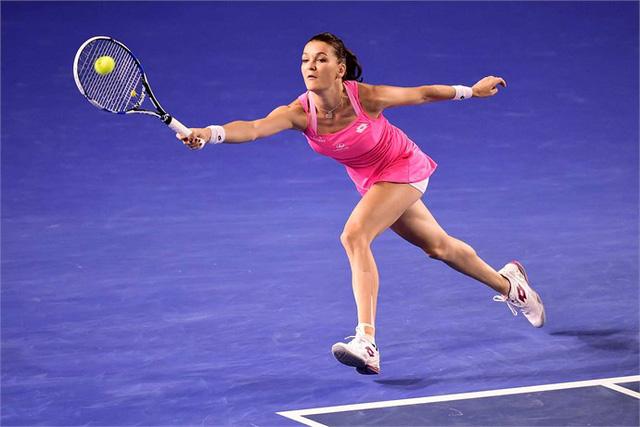 Radwanska vất vả chống đỡ những đường bóng uy lực và hiểm hóc của đối thủ