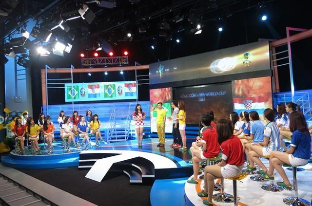 Toàn cảnh trường quay ghi hình chương trình Nóng cùng World Cup 2014