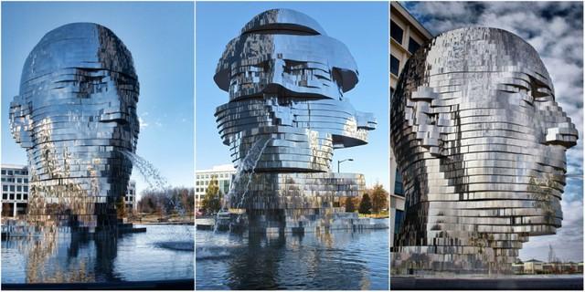 Đài phun nước Metalmorphosis, Charlotte, Bắc Carolina, Mỹ: Được làm từ các tấm kim loại sáng bóng như gương tạo thành hình đầu người khổng lồ có thể quay tròn, đây là tác phẩm của nghệ sĩ David Černý.