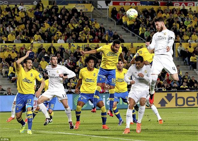 Bàn thắng của Sergio Ramos trong trận thắng trước Las Palmas. Ảnh: EPA