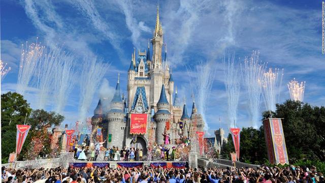 Magic Kingdom ở công viên Walt Disney World, Florida (Mỹ) luôn là công viên giải trí hàng đầu thế giới.