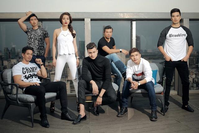 Song song với các bộ ảnh quảng bá phim, Trương Ngọc Ánh còn thực hiện các chương trình để đoàn phim giao lưu với khán giả.
