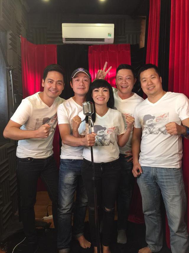Ca sĩ Phương Thanh tham gia thu âm