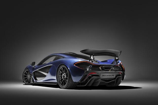 Xe có khả năng tăng tốc lên từ 0 đến 100 km/h trong 2,8 giây, tốc độ tối đa là 350 km/h.