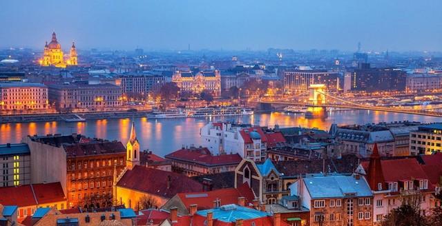 Đối với các du khách, châu Âu là một nơi rất tốn kém nhưng Hungary lại là một câu chuyện khác. Ngay ở Budapest, thủ đô Hungary, người ta có thể chỉ tiêu 100USD/tuần nếu quản lý ngân sách tốt.