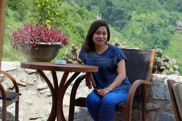 Khán giả yêu thích lối dẫn nhẹ nhàng của BTV Hương Linh, đặc biệt là với những tin tức về thời sự thế giới.