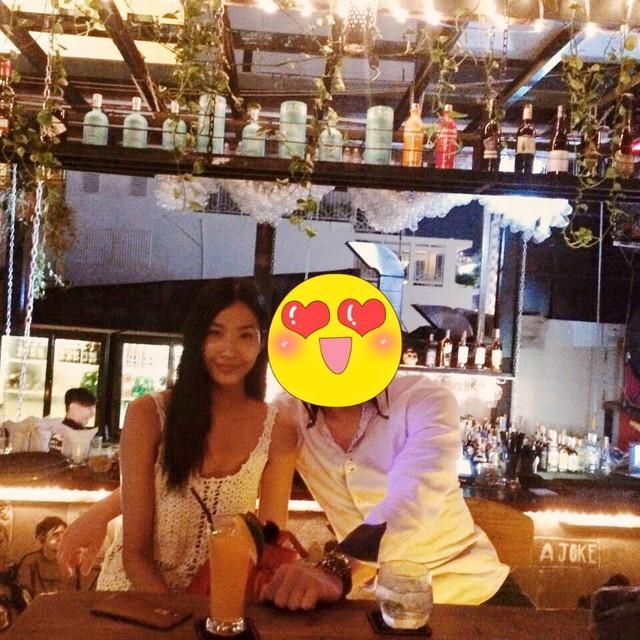 Trước đây, Hoàng Thùy từng nhiều lần đăng tải hình ảnh chụp chung với bạn trai nhưng đều sử dụng một số ứng dụng để che mặt