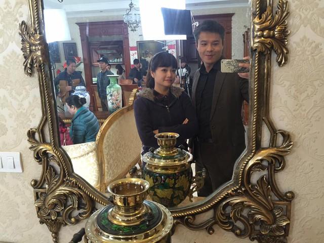 Cặp đôi chính của phim Kiều Anh và Lâm Vissay chụp ảnh cùng nhau.