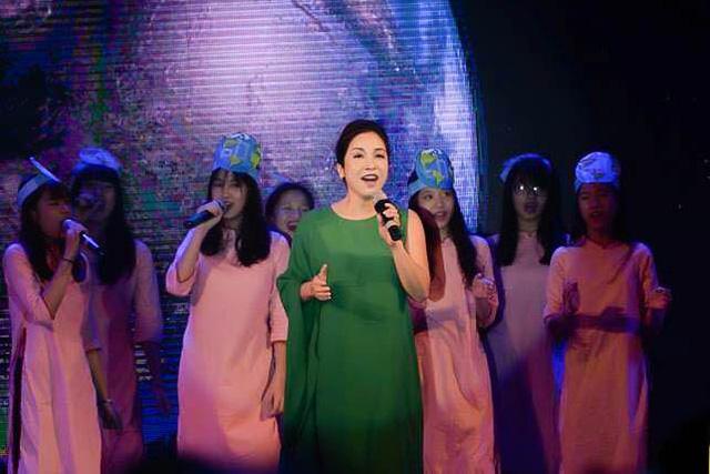 Nữ ca sĩ Mỹ Linh luôn ủng hộ những dự án cộng đồng, đặc biệt là Giờ Trái đất