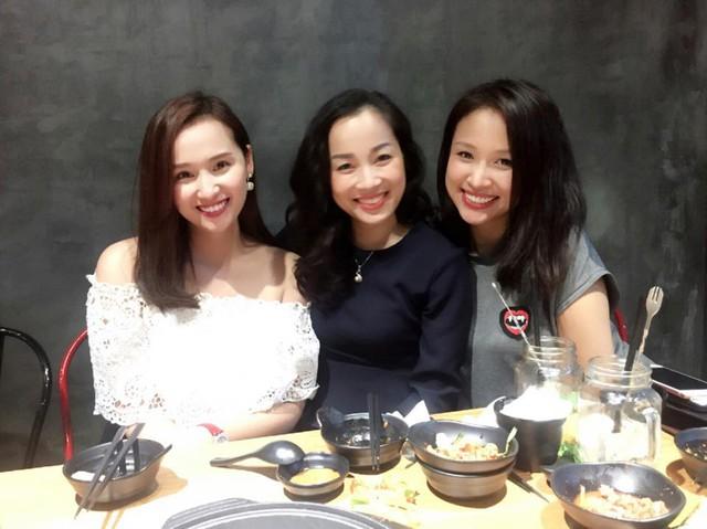 Diễn viên Lã Thanh Huyền, Vàng Anh Minh Hương và MC Thanh Vân Hugo đi ăn cùng nhau.