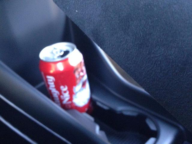 Không gian để bạn chứa những đồ ăn hoặc thức uống trong quá trình lái xe