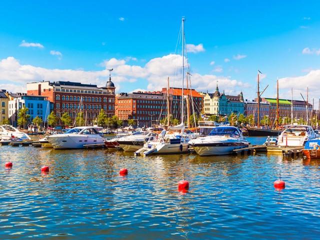 Helsinki, Thủ đô của Phần Lan, là một thành phố biển nhộn nhịp với các hòn đảo tuyệt đẹp và công viên để khám phá. Thành phố là nơi thường xuyên tổ chức các sự kiện điện ảnh như Liên hoan phim quốc tế Helsinki. Nơi đây cũng nổi tiếng bởi ẩm thực phong phú với các món ăn có từ những năm 1917.