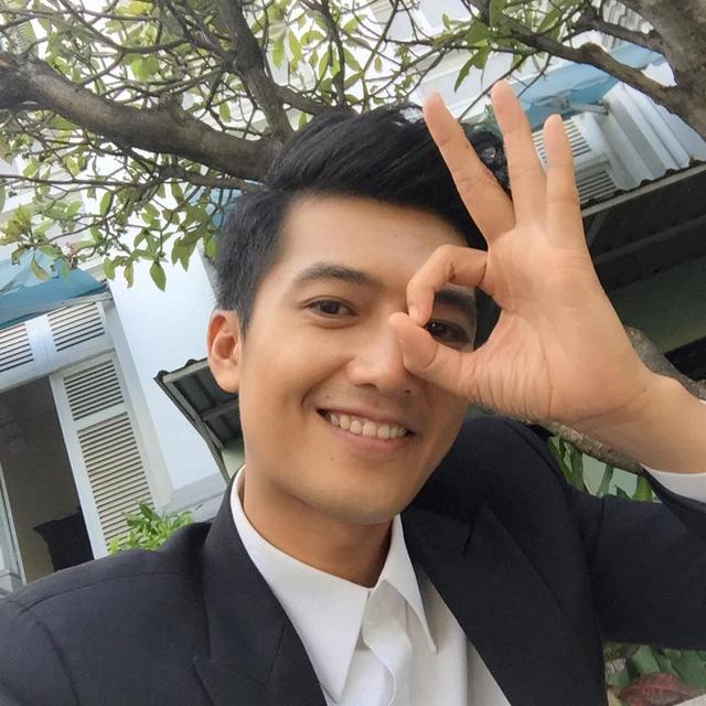 Nam chính của Khúc hát mặt trời - Quang Tuấn đăng ảnh selfie.
