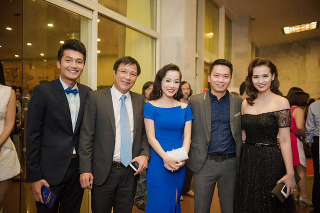 Diễn viên Quang Tuấn, đạo diễn Trọng Trinh, diễn viên Minh Hương, đạo diễn Bùi Tiến Huy và diễn viên Lã Thanh Huyền.
