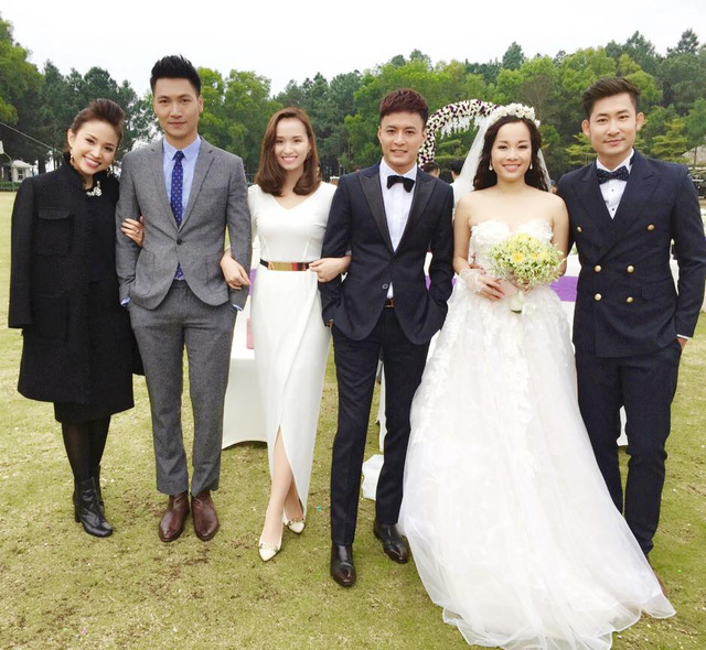 Nam diễn viên Hồng Đăng đăng ảnh dàn diễn viên trong phim truyền hình mới Zippo, Mù Tạt và Em. Phim dự kiến phát sóng vào tháng 6 tới đây.