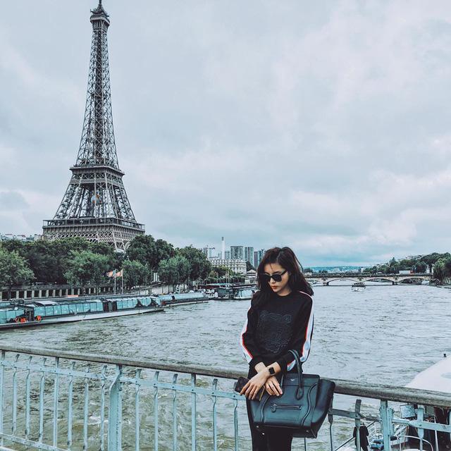 Hoa hậu Việt Nam 2014 duyên dáng bên tháp Eiffel