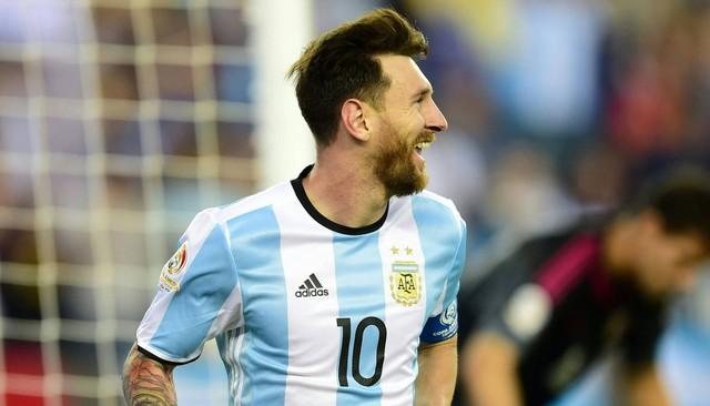 Messi đã có một ngày thi đấu thành công với 1 bàn thắng và 2 đường kiến tạo để đưa Argentina vào bán kêt