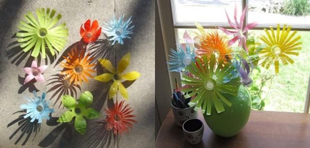 Những bông hoa làm từ chai nhựa có thể được sử dụng làm đồ trang trí cho vườn hoa.