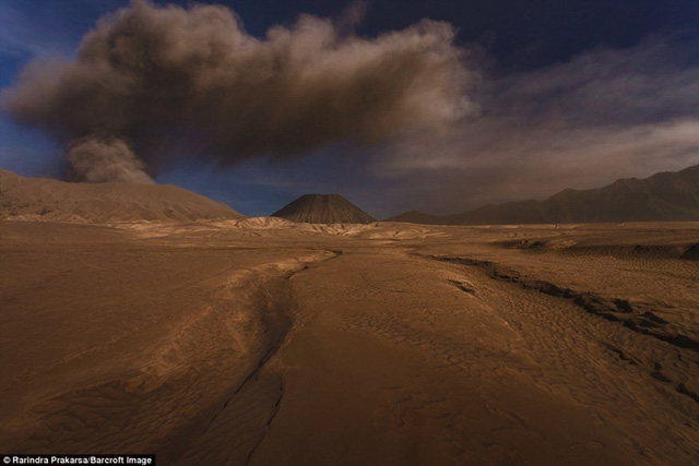 Lần phun trào gần đây nhất của Bromo vào đầu năm 2011 khiến 2 du khách thiệt mạng và nhiều sân bay trong vùng đóng cửa.