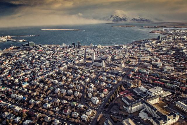 Dân số Iceland chỉ khoảng 300.000 người, song đây là một trong những quốc gia hạnh phúc nhất thế giới.