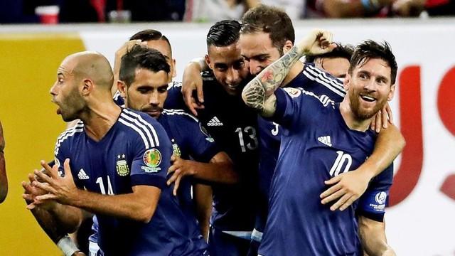 Messi cùng các đồng đội đang thi đấu ấn tượng tại Copa America 2016