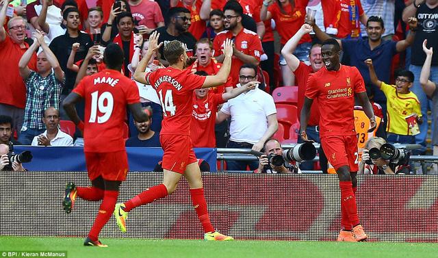 Barcelona thảm bại trong một ngày mà Liverpool thi đấu như lên đồng