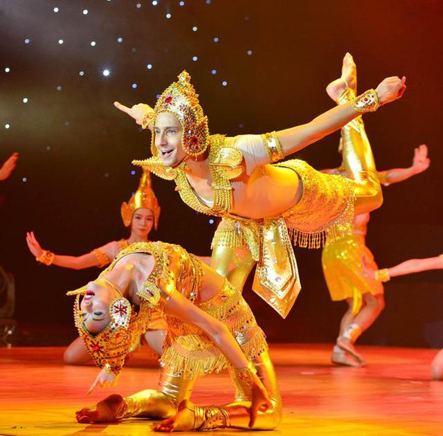 Hồng Quế thực hiện tiết mục múa Chàm. Ảnh: Quốc Hùng