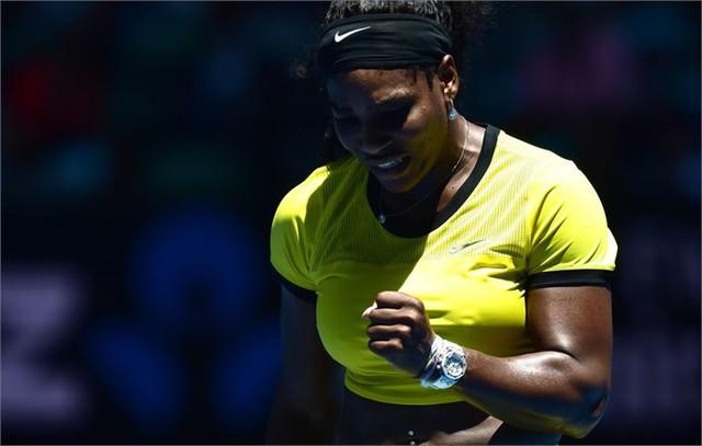 Serena chỉ mất đúng 1 tiếng đồng hồ để giành vé đi tiếp