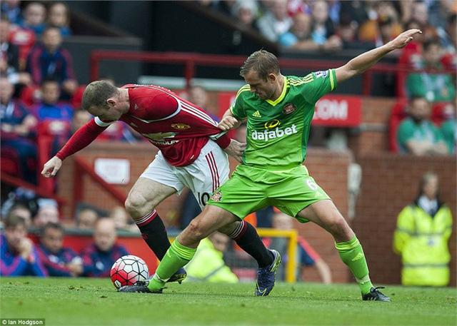 Rooney (áo đỏ) sẽ tiếp tục tỏa sáng?