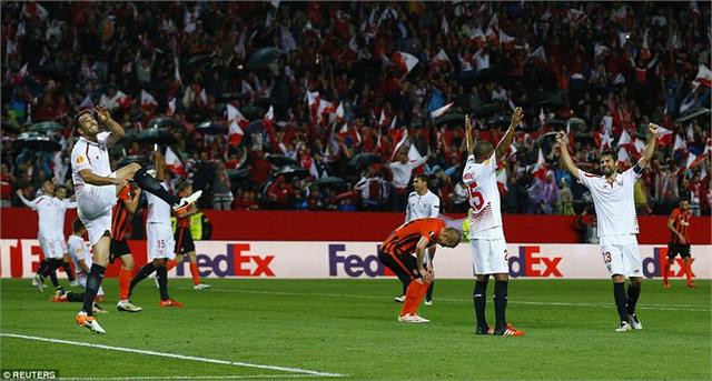 Sevilla vượt qua hàng loạt đối thủ mạnh để tiến vào chung kết