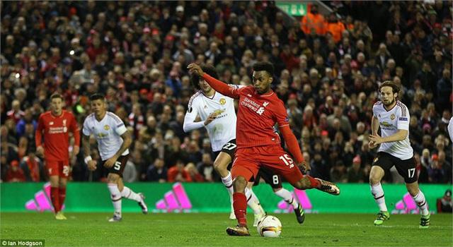 Dù phải làm khách nhưng Liverpool (áo đỏ) có nhiều cơ hội giành vé đi tiếp. Ảnh: Ian Hodgson