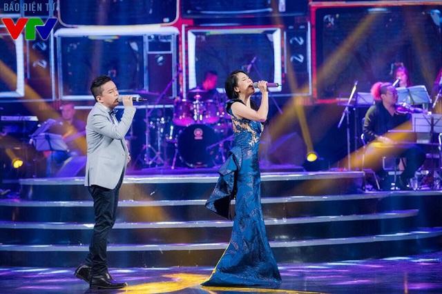 Ca sĩ Lam Trường cũng góp mặt trong đêm diễn của Thu Phương và thể hiện những ca khúc hết sức sâu lắng.