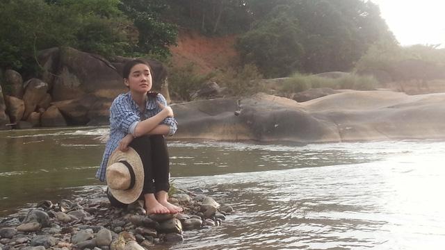 Trong phim này, Nhã Phương đóng cùng nam  diễn viên Hà Việt Dũng. Cô hóa thân thành một cô gái nhí nhảnh, dễ thương và yêu đời.