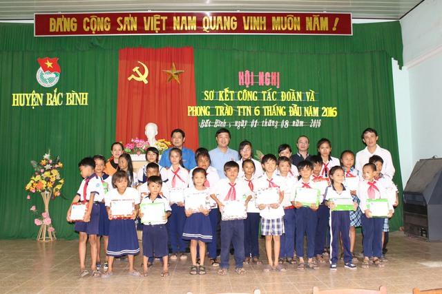 Trao học bổng tại huyện Bắc Bình