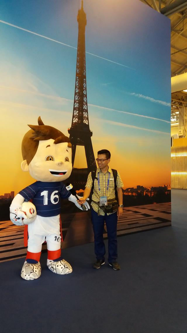 Phóng viên Tiến Dũng có cơ hội được tác nghiệp tại Pháp ở vòng bảng VCK EURO 2016