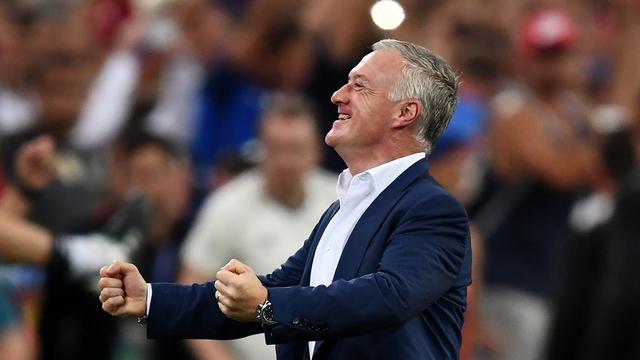 Niềm vui chiến thắng của HLV Deschamps - ĐT Pháp. Ảnh: UEFA