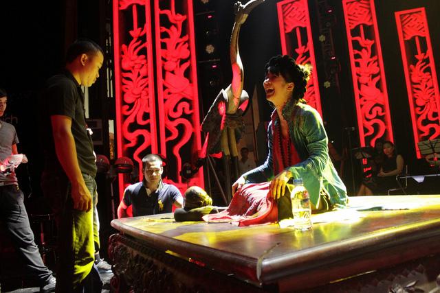 Dàn dựng cho phần trình diễn của Hồng Nhung với Ngẫu hứng sông Hồng là thách thức khó quên đối với Việt Tú