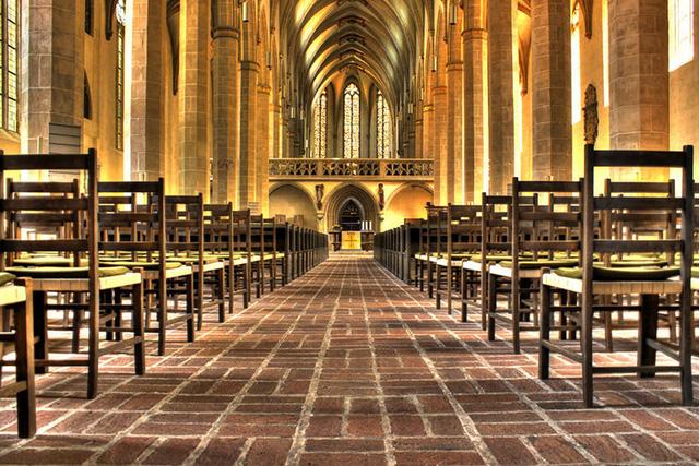Nhà thờ ở nước Đức nổi bật với màu sắc rực rỡ.