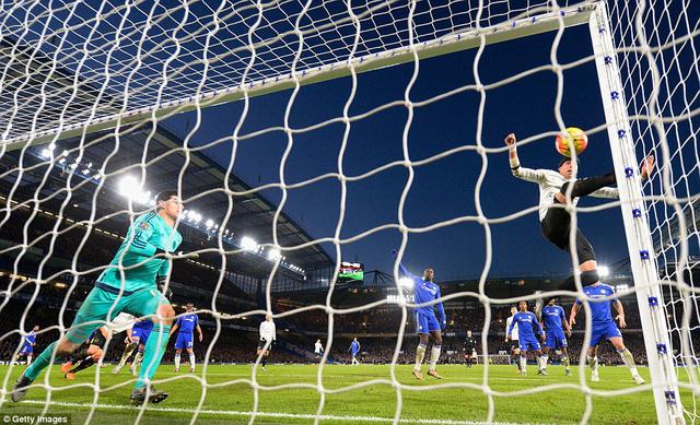 Bàn thắng phút bù giờ của Mori không thể giúp Everton giành 3 điểm trước Chelsea