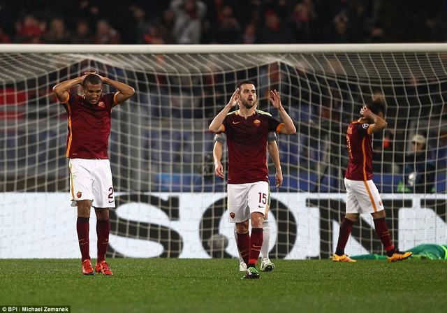 Thi đấu nỗ lực tuy nhiên Roma lại không hoàn thành được mục tiêu đề ra.