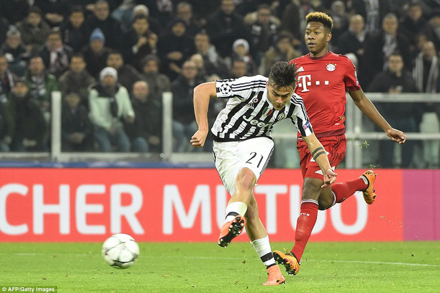Paolo Dybala ghi bàn rút ngắn tỷ số cho Juventus